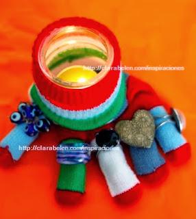 http://clarabelen.com/inspiraciones/2861/divertidos-anilleros-portavelas-hechos-con-envases-reciclados-de-cristal-y-guantes/