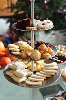 Weihnachtsbäckerei 2018: Springerle, Kipferl, Spritzgebäck, Makronen, Heidesand, Spitzbuben, Cranberry-Marzipan-Pralinen