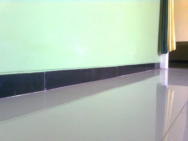 Plin Kaca Membuat Ruangan Tampak Bersih dan Elegan