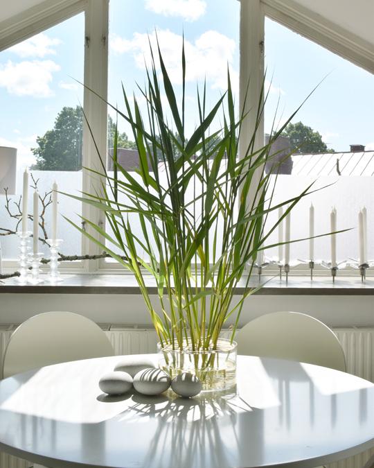 Vass-arrangemang med stenar från Norkap | Erik Mäki @ www.var-dags-rum.se