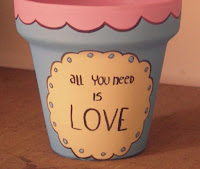 Macetas pintadas - all you need is love