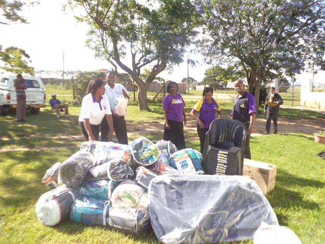 Hollywoodbets Mthatha donates much needed goods to the Zingisa Rehab & Old Age Home