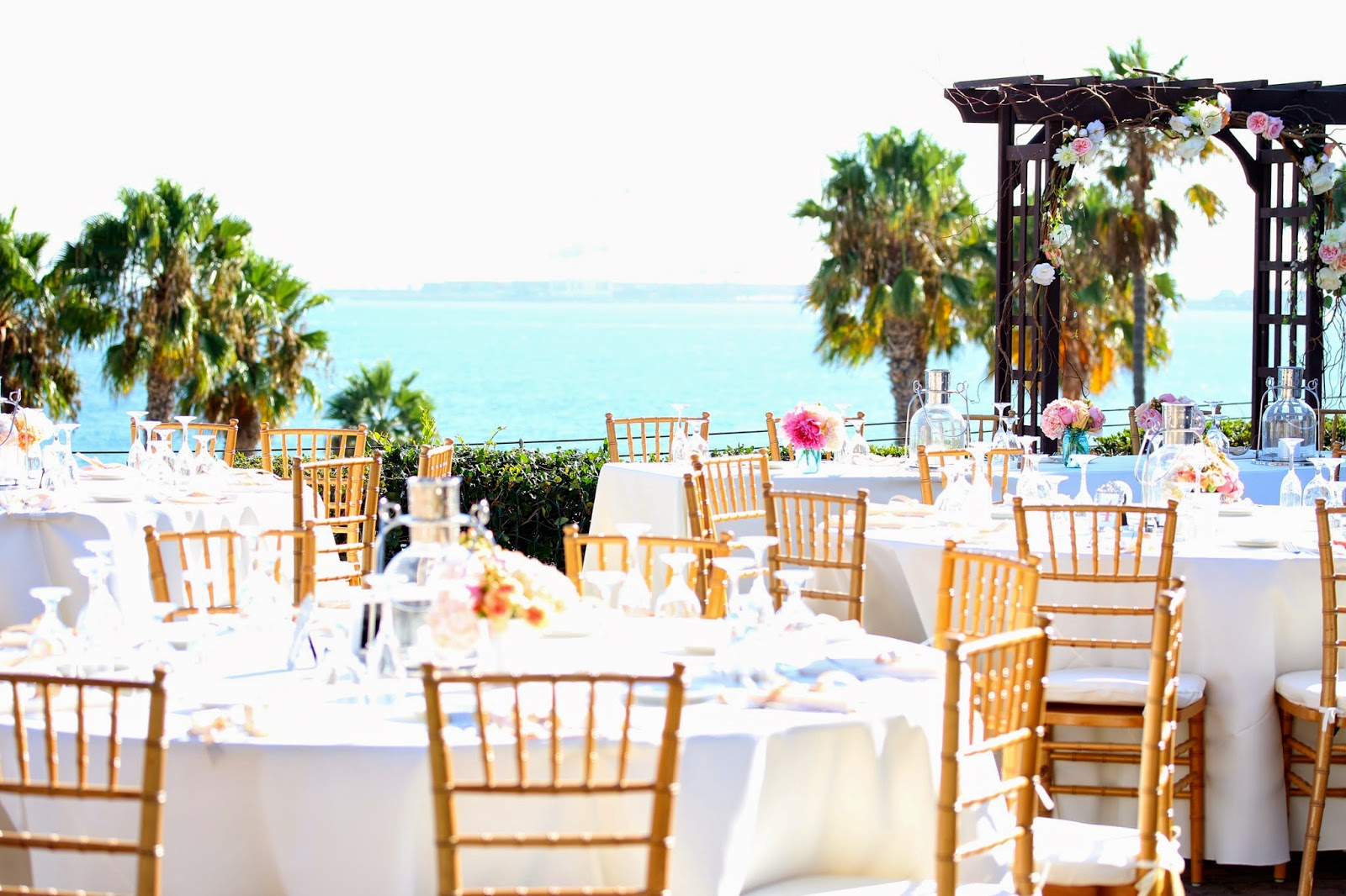 The Long Beach Museum Of Art With Its Charming Historical Buildings And Collections Was Perfect Setting For This Summer Wedding Reception