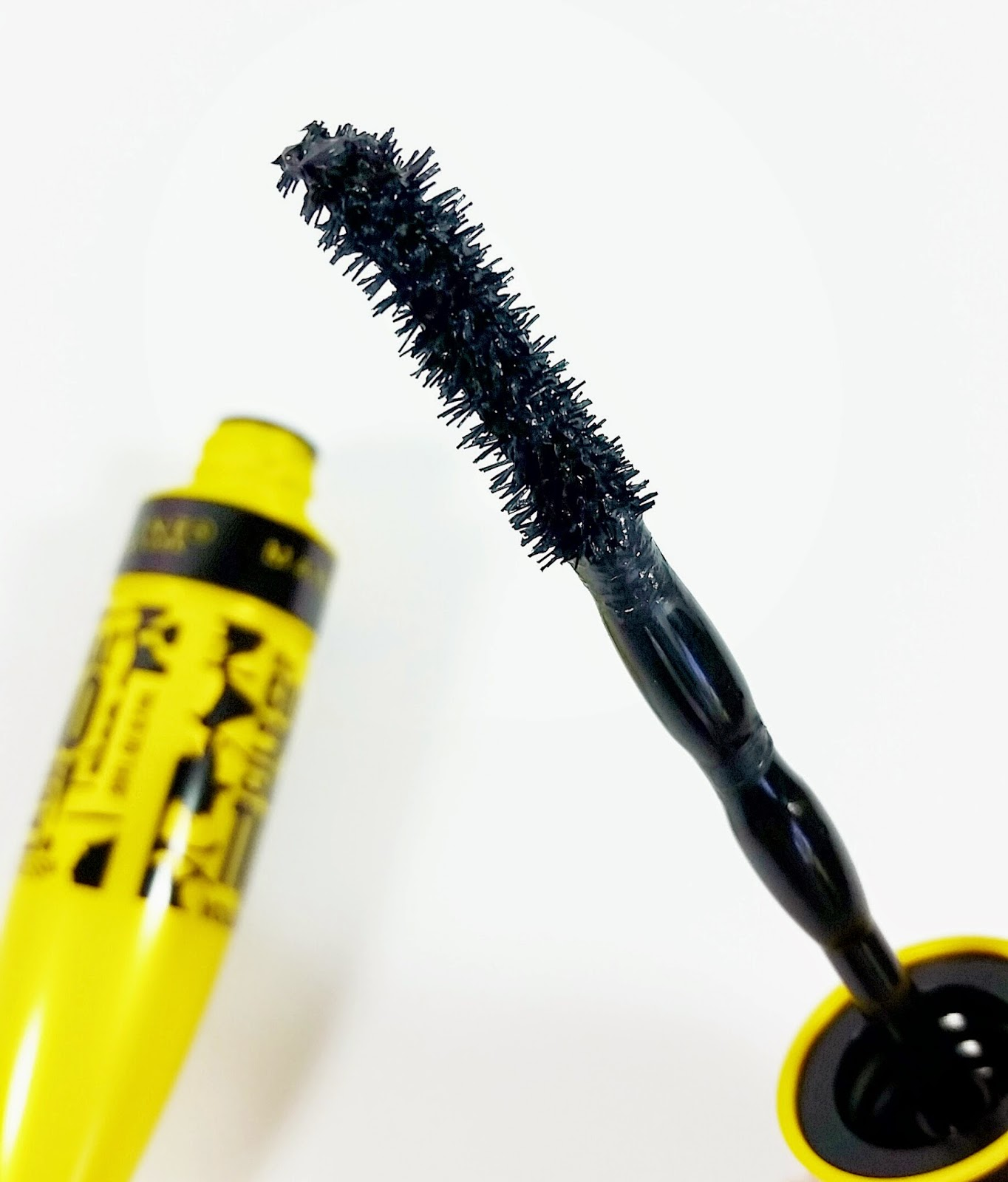 dc74334c9a0 Maybelline The Colossal Chaotic Lash Mascara Review | The Budget ...