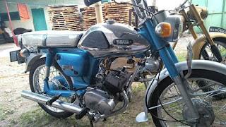 Dijual Motor Antik Yamaha 100 twin  surat komplit
