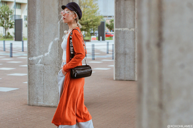 Japanese Fashion Blogger,MizuhoK,20181013OOTD, SHOPLIST=orange long cardigan, Rakuten= cropped top, GU=gray wide leg pants, ZARA=sneakers,bag, H&M=marine cap, Front Row Shop= faux pearl choker, zeroUV=sunglasses