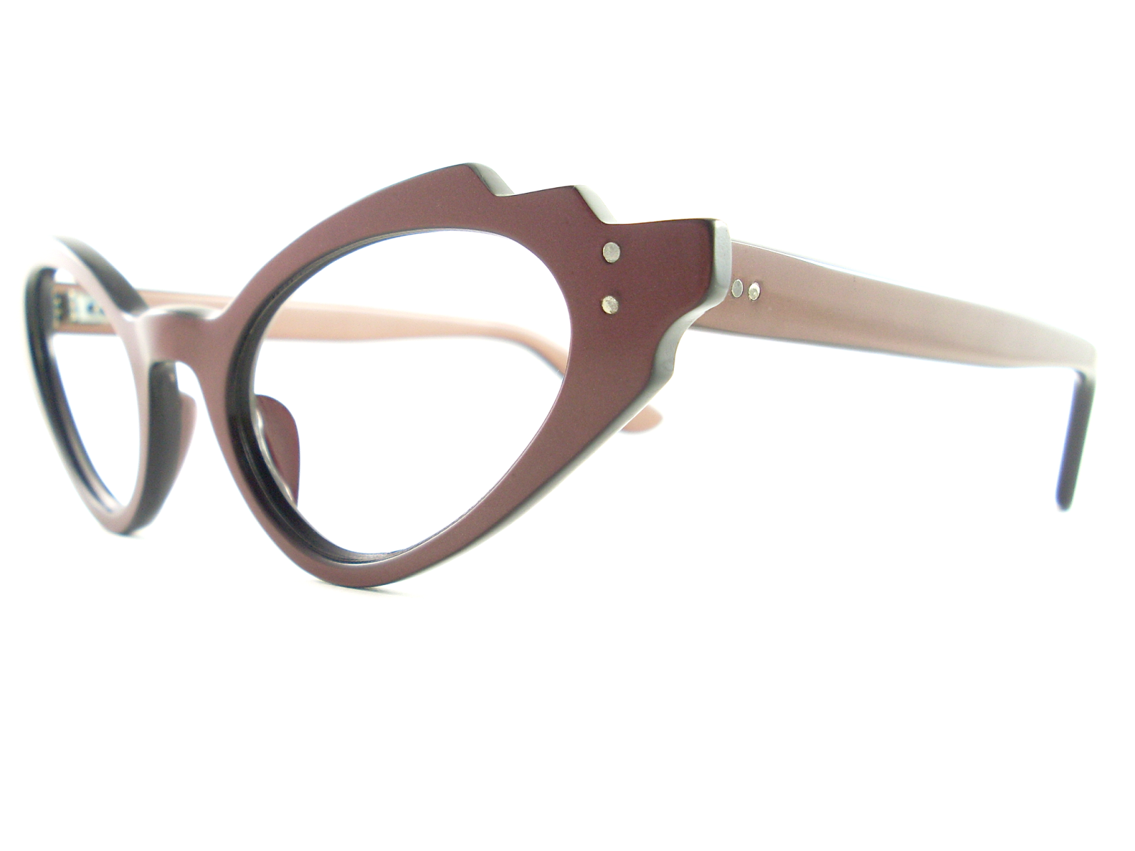 95e2f4e9ee SCALLOPED VINTAGE CAT EYE EYEGLASSES MAKE A STUNNING STATEMENT. THE FRAME  IS A RICH SHINY BROWN COLOUR OVER A BLACK BASE WITH 2 SILVER STUDS AT EACH  WING ...