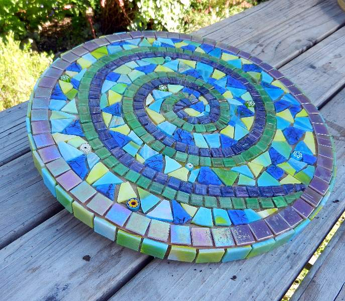 Mosaic Garden Stones: Joooles Design Mosaic Adventures: Hearts And Spirals