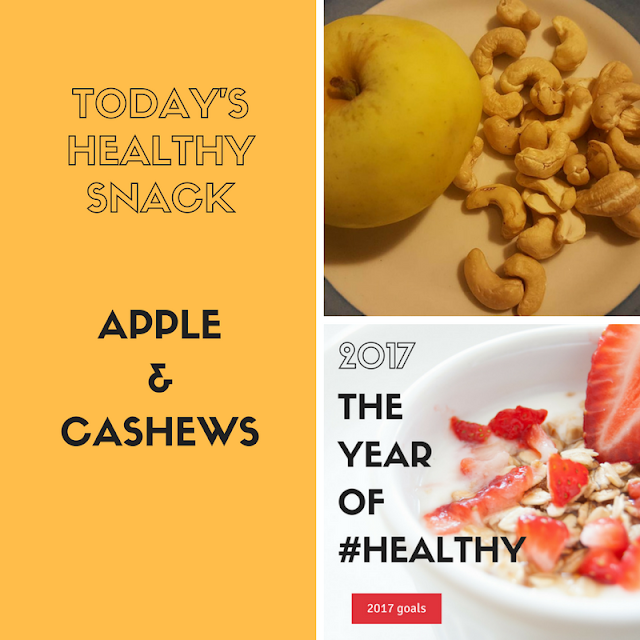 Healthy snack: apple & cashews