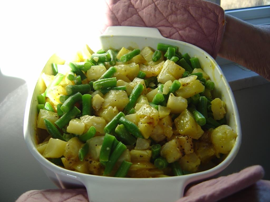 Potato-Green Bean Microwave Casserole Image