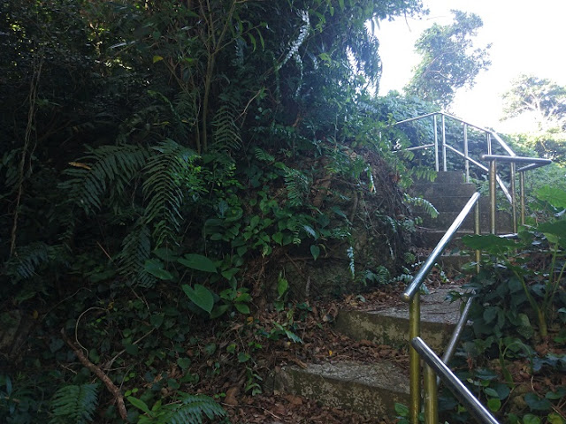 保栄茂グスクの階段の写真