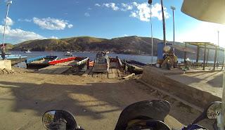 Balsa para atravessar o Lago Titicaca.