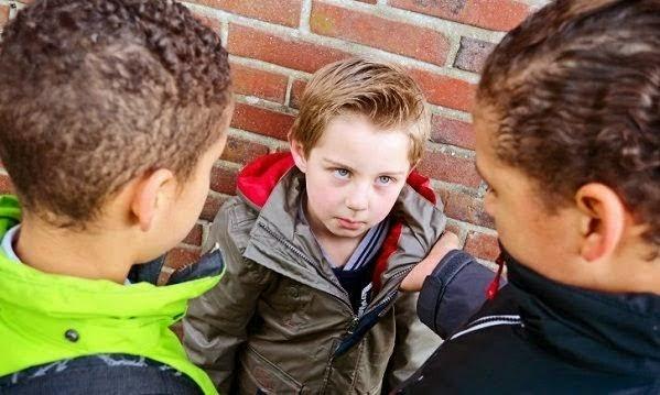 «Νίκησε τον νταή χωρίς να τον αγγίξεις»! Ένα βίντεο που τα παιδιά πρέπει να δουν!