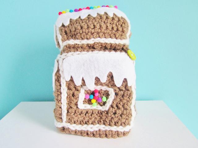 Gingerbread House Cozy DIY