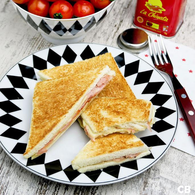 Argentijnse tostados de jamón y queso: flinterdunne ham-kaastosti's