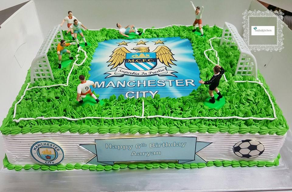 Cool Izahs Kitchen Manchester City Soccer Field Cake Funny Birthday Cards Online Aboleapandamsfinfo