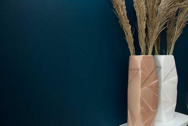 Handgemacht Blumenvase in Weiss aus Keramik