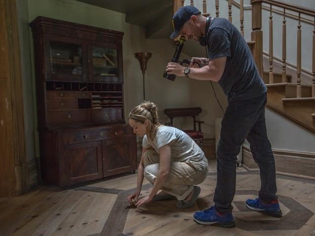 Darren Aronofsky, diretor de Cisne Negro, vem ao Brasil divulgar o longa Mãe!