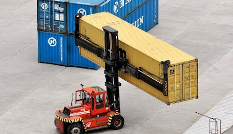 KSH: januárban 392 millió euró volt az exporttöbblet