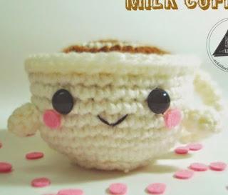 http://translate.google.es/translate?hl=es&sl=en&u=http://nvkatherine.deviantart.com/art/Milk-Coffee-Cup-FREE-PATTERN-440996475&prev=/search%3Fq%3Dhttp://nvkatherine.deviantart.com/art/Milk-Coffee-Cup-FREE-PATTERN-440996475%26safe%3Doff%26biw%3D1429%26bih%3D961
