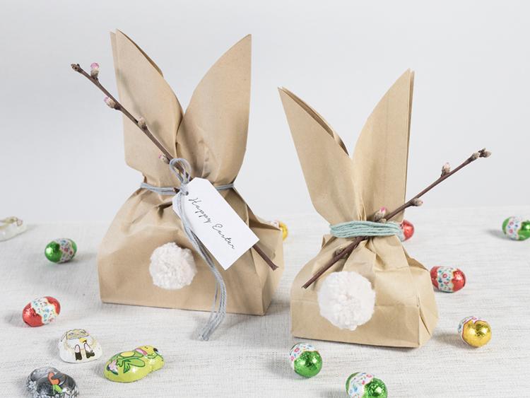 diy bolsa de papel kraft en forma de conejo para regalar huevos en pascuas semana santa happy easter