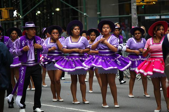 grupo de danza tradicional boliviana