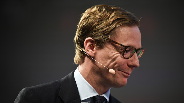 Skandal Cambridge Analytica: Bobol Facebook, Intel Israel, dan Gadis Ukraina