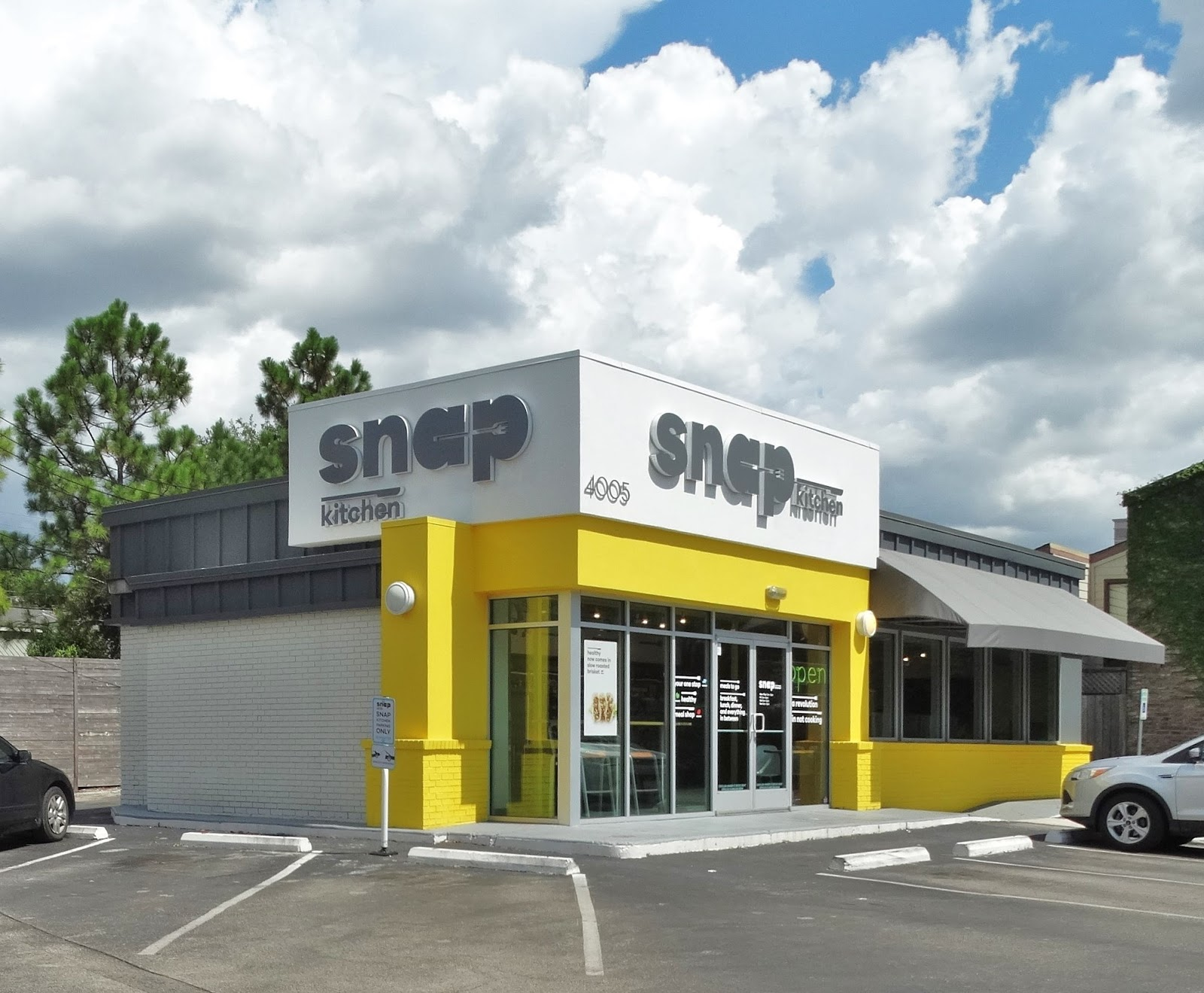 chamelion of a snap kitchen now turning gray | houston streetwise