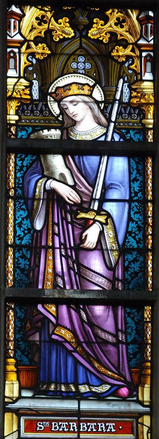 Santa Bárbara en una vidriera de la catedral de Bruselas