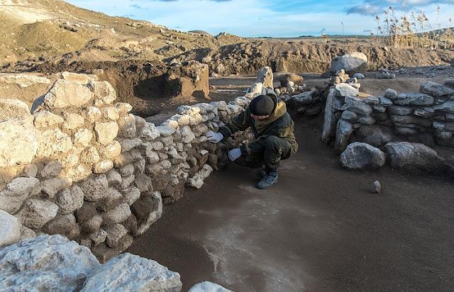 Archaeologists explore ancient settlement at bridge construction site in Crimea