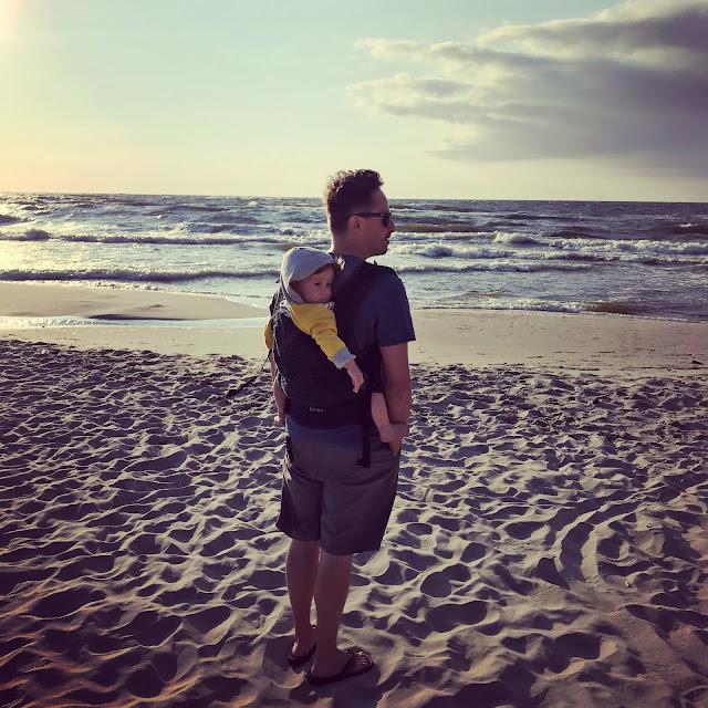 Surf tata z synem na plaży w Krynicy