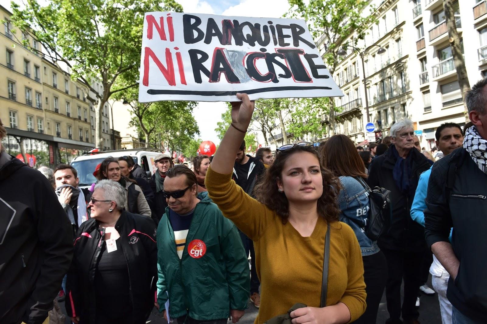 CHRISTOPHE ARCHAMBAULT - Source: AFP - Les manifestants de ce 1er mai 2017 ne concentrent pas leurs efforts que sur Marine Le Pen
