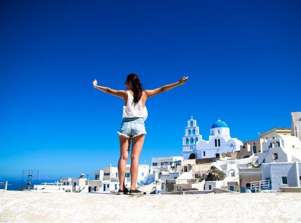 Περισσότεροι Έλληνες κατάφεραν να πάνε διακοπές φέτος