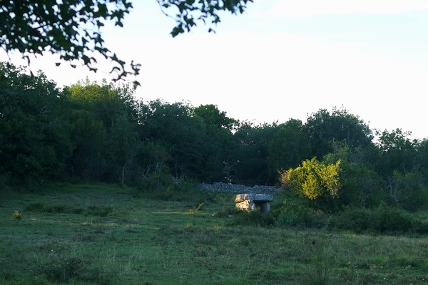 france lot quercy loubressac rando autoire dolmen horaste