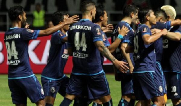 Wooww, Bakal Panas! Arema FC Kirim Tantangan untuk Persebaya Surabaya,Tapi Belum Ada Jawaban