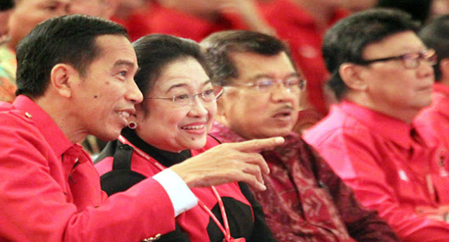 Presiden Jokowi Widodo bersama Ketum PDIP Megawati Soekarnoputri