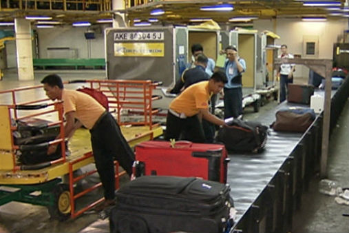 NAIA baggage loaders make valuables disappear