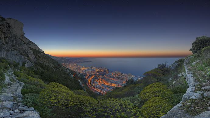 Wallpaper: Sunrise Panorama in Monaco
