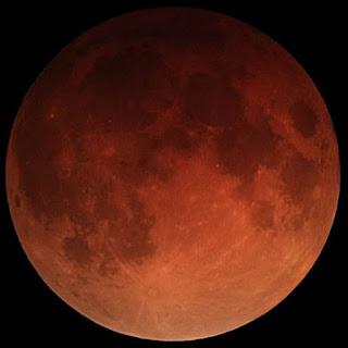 Lunar eclipse by Alfredo Garcia