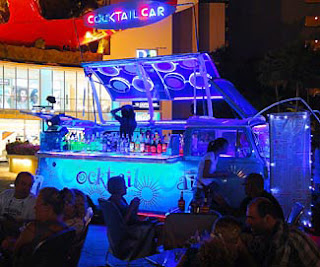 Pattaya Beach Road Nightlife (1)