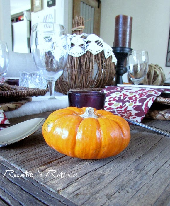 Fall tablescape with lots of gorgeous texture and stunning fall color. #decor, #fall, #autumn, #tablesetting, #tablescape, #entertaining
