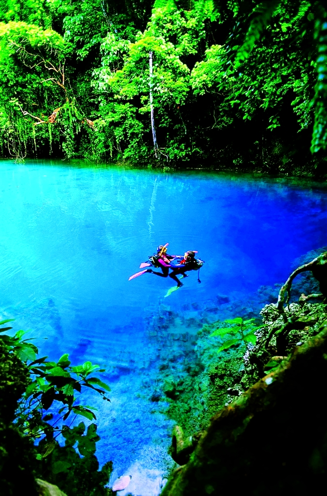 Blue Hole Espiritu Santo Vanuatu Fiji A1 Pictures