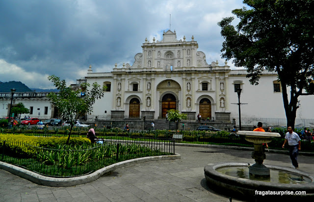 Parque Central e Catedral de Antigua, Guatemala