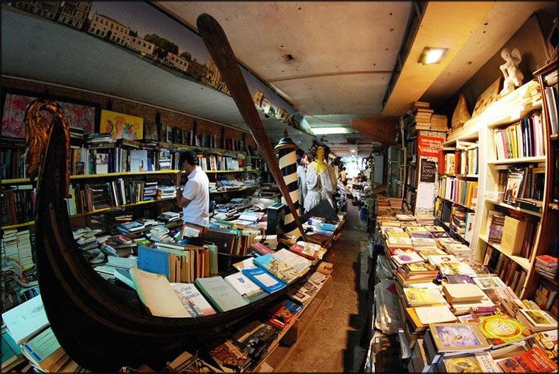La libreria Acqua Alta, una librería inundada | Italia