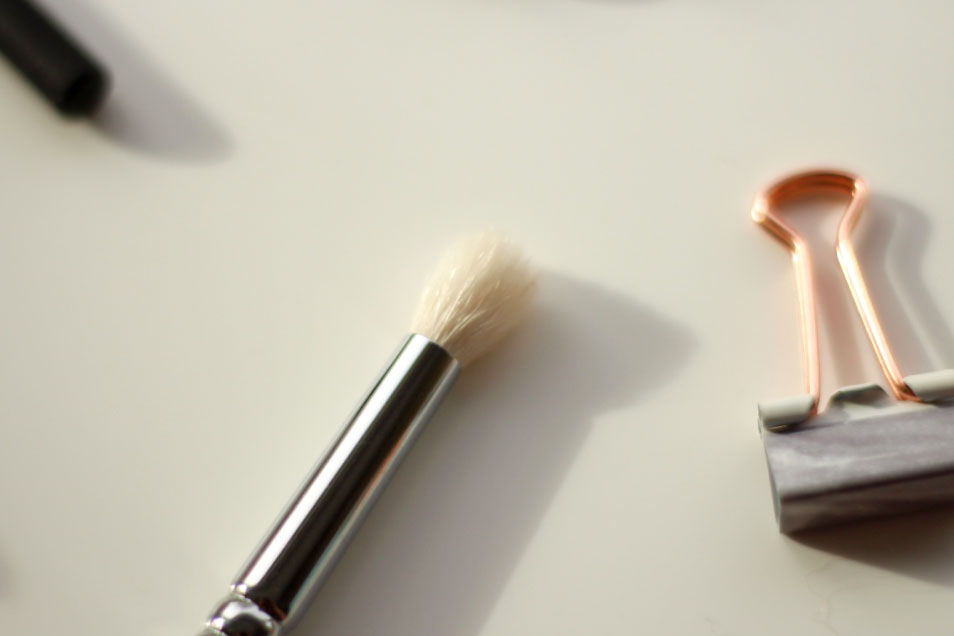 Zoeva Luxe Petit Crease Brush