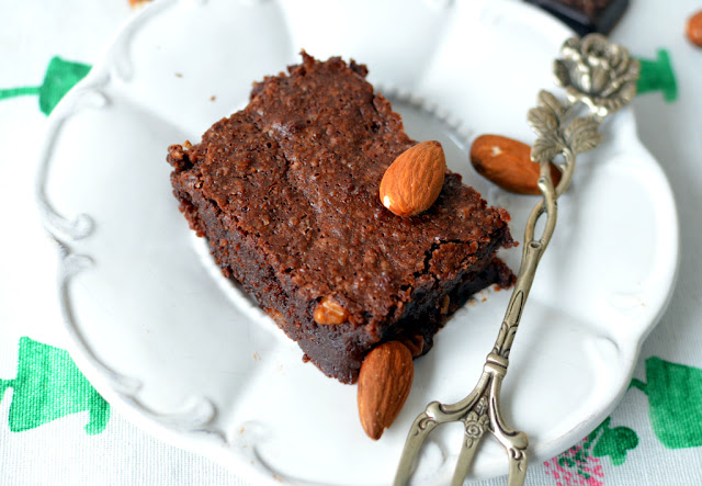 brownie%2Bbez%2Bm%25C4%2585ki Brownie Nigelli Lawson