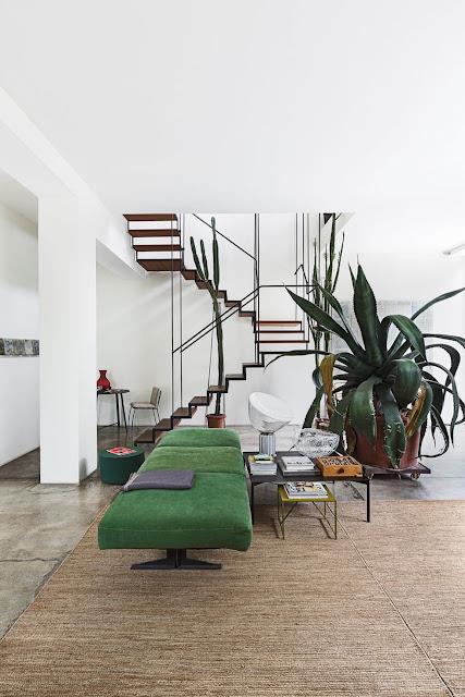 Einfach coole Einrichtung mit Beton und Stahl, Vintage Möbel und Designklassiker