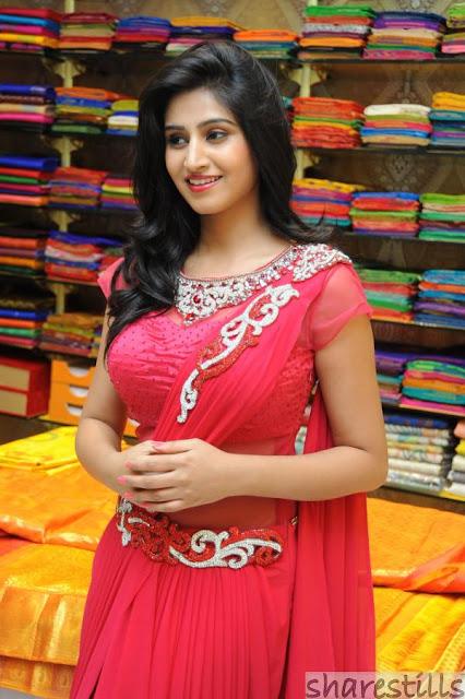 Beautiful Indian Women Model Pic, Charming Model Photo, Hot Indian Model Photo, Top Model Pic