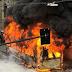 I bus Atac bruciano sotto gli occhi del mondo