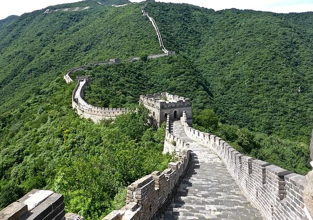 قصة سور الصين العظيم في هذا المقال عن عجائب الدنيا السبع الحقيقية